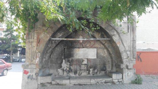 Gülük Mah. / 1553 Ada 419 Parsel / Kabasakal Müftü Çeşmesi